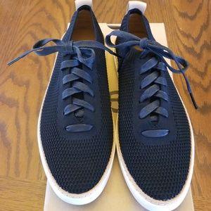 NEW - Ugg Sidney Sneaker - Black